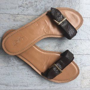 LOFT ANN TAYLOR Sandals Single Strap Embossed 8